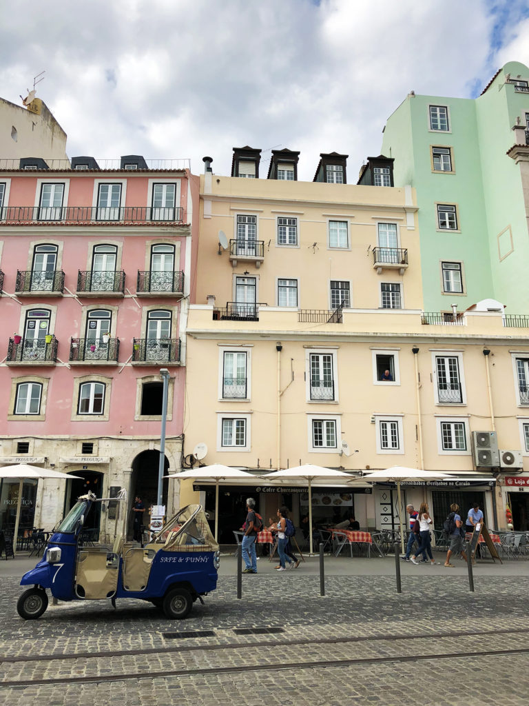 Lisbon: City History and Travel Guide