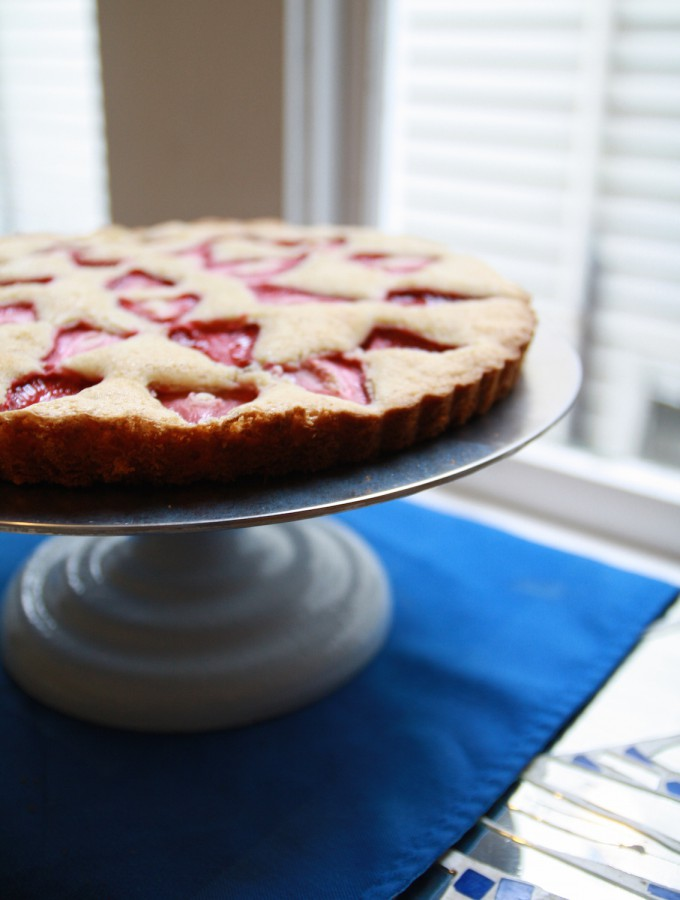 strawberry cardamom cake tart
