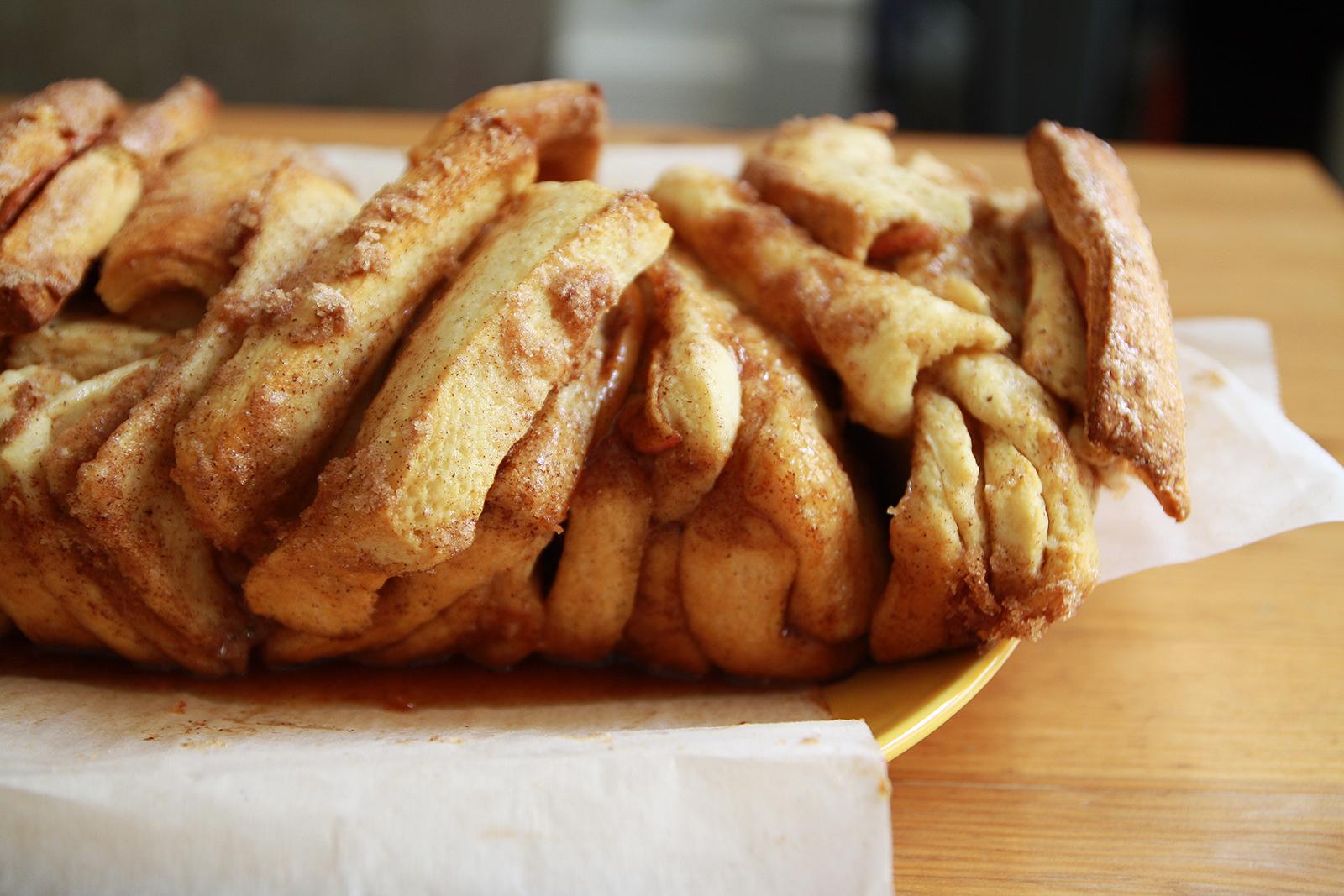 Recipe: Apple Cinnamon Pull-Apart Bread