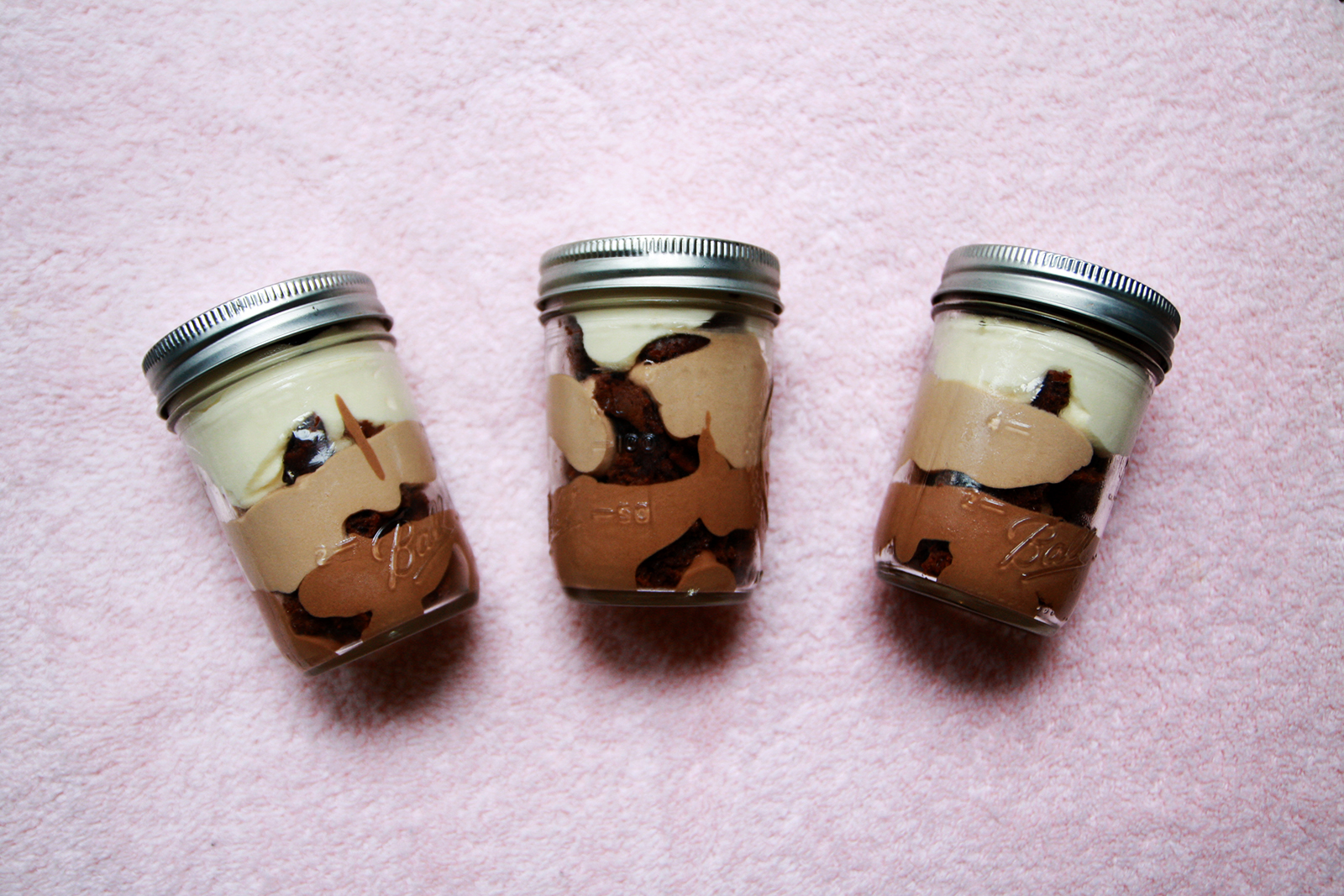 RECIPE: TRIPLE CHOCOLATE MOUSSE CAKES IN JARS