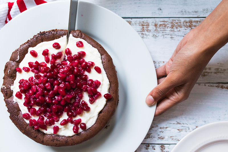 chocolate-souffle-cake-pomegranate