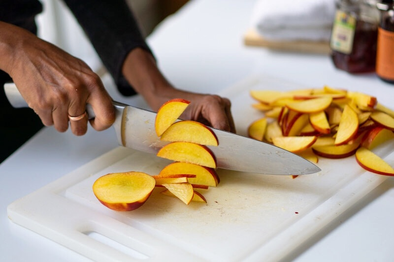 slicing nectarines for galette