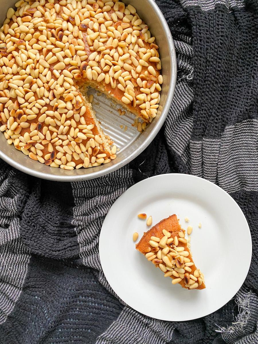 toasted pine nut honey cake